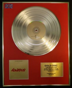 BOB MARLEY & THE WAILERS Exodus GOLD LP display