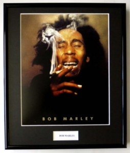 BOB MARLEY One Love (photo display)  (2)